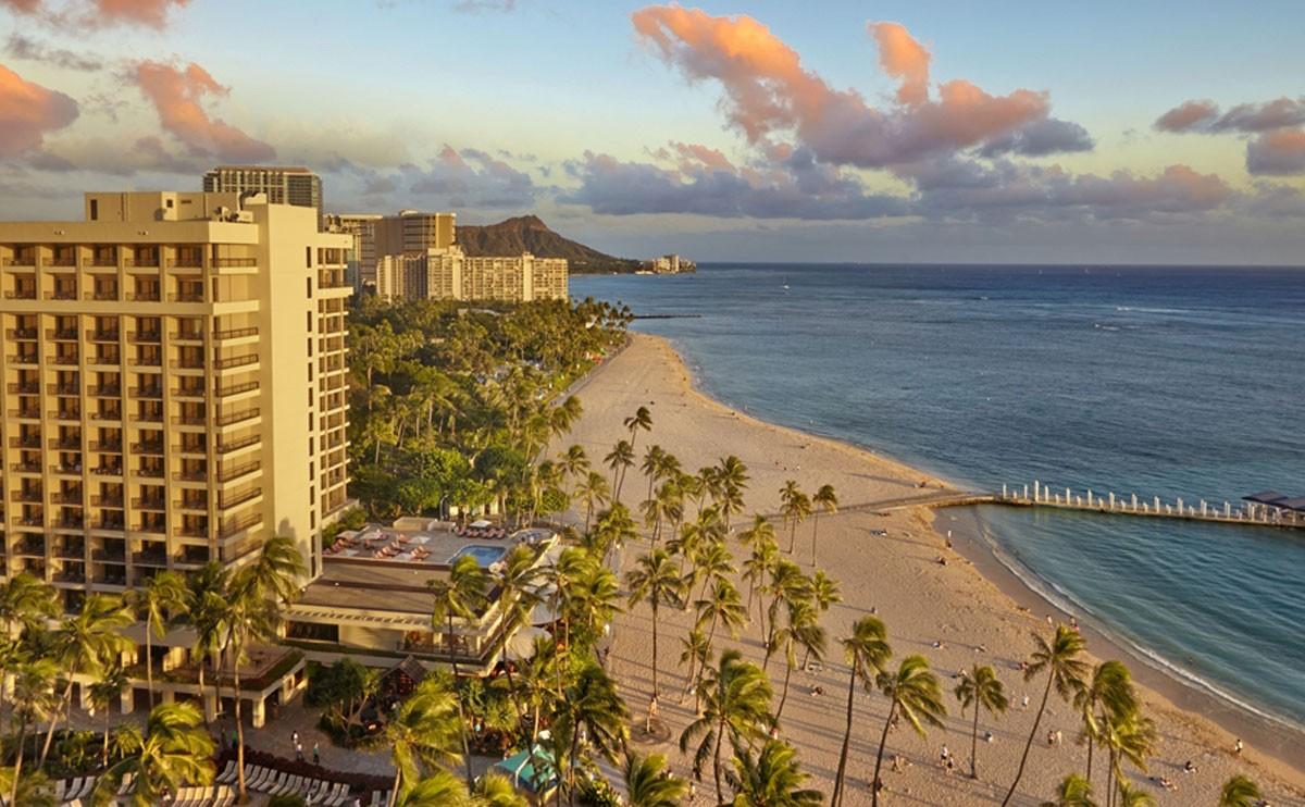 夏威夷威基基海滩希尔顿度假村
